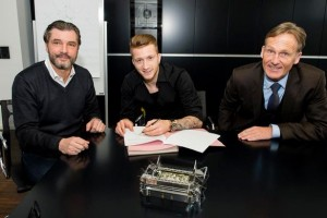 reus signing extension