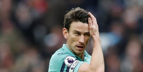 Sources: Koscielny on strike due to contract row