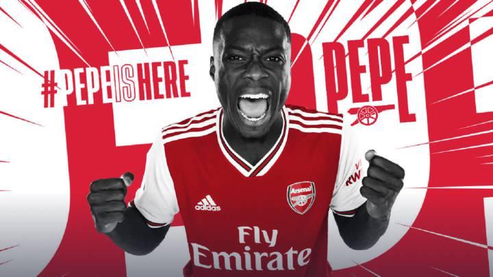 Pepe arrives at Arsenal